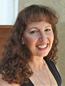 Micaëla Larsen Brown, Alto